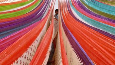 Sari, Indian nationalism, Fashion, New York Times