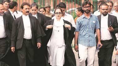 Fashion, Justice indu malhotra, Supreme Court