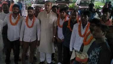 Hindutva, BJP, Giriraj Singh, Jayant Sinha