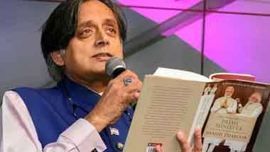 RSS, PM Modi, Shashi Tharoor, Paradoxical politician