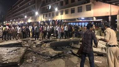 Footover bridge collapse near cst station, Footover bridge collapses in mumbai, Mumbai footover bridge collapse, Cst footover bridge collapse