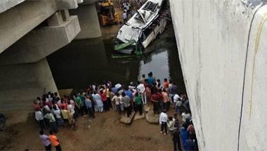 Expressway, Lucknow-delhi bus accident, Uttar Pradesh, Yamuna Expressway