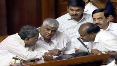 Kumaraswamy loses, Yedyurappa, Trust vote, Karnataka mlas resign