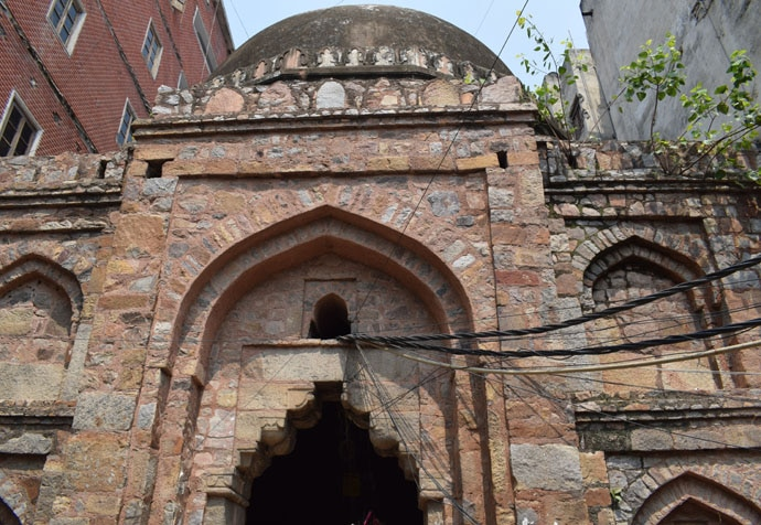 This is possibly the gateway to the medieval inn that gives Katwariya Sarai its name.