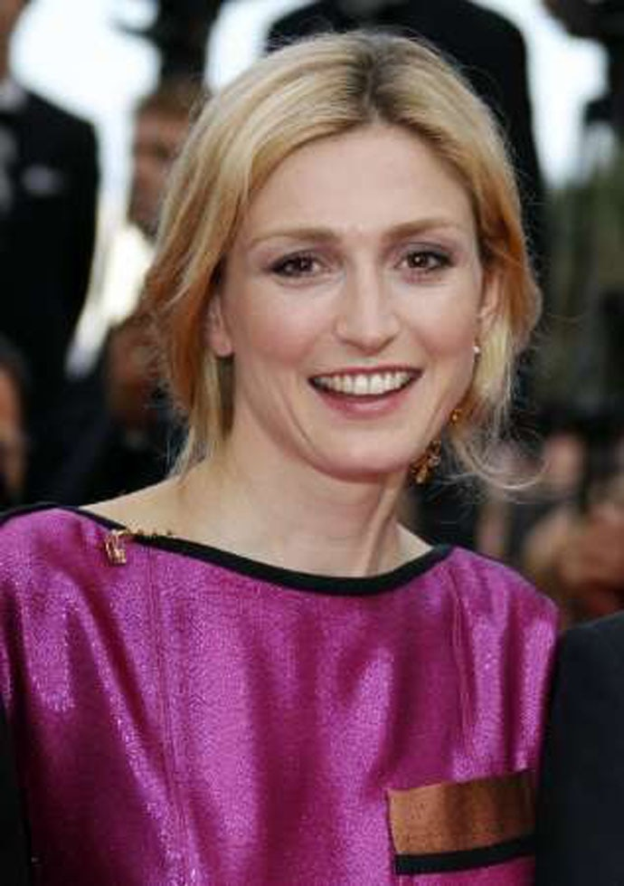 The French actor and partner of former President Hollande, Julie Gayet was reportedly in a deal with Anil Ambani's film company.