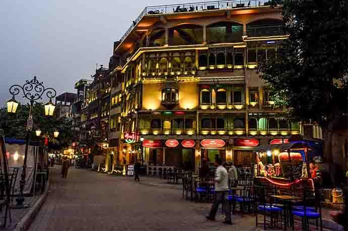 lahore-street_111318064403.jpg