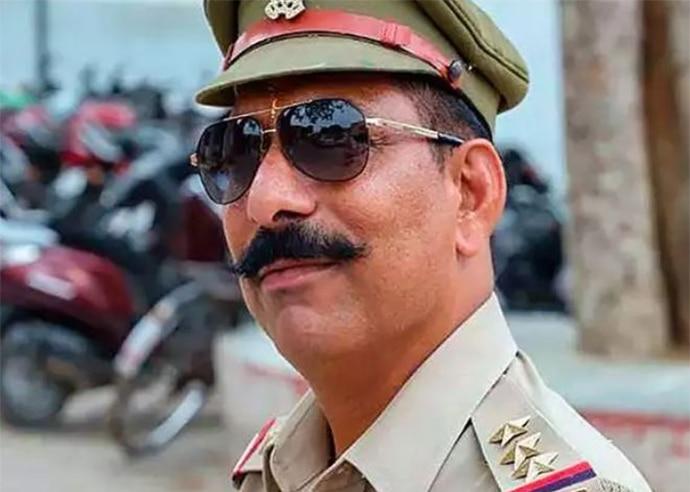 cop-copy_120518091117.jpg