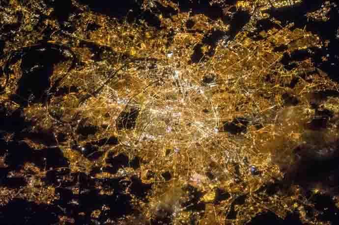 main_paris-nighttime_013119084903.jpg