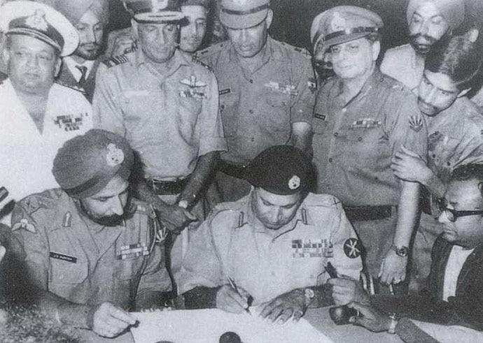 Gen Amir Abullah Khan Niazi surrendered Dacca, handing over his service revolver to Indian Lieutenant-General JS Aurora.