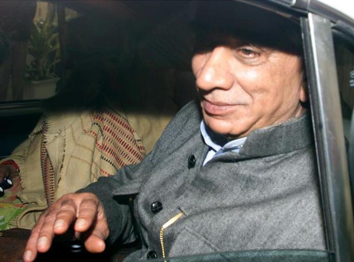Then-foreign minister Jaswant Singh at the New Delhi airport, on his way to Afghanistan to release the terrorists.