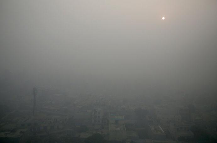 delhi-smog-ap_main_050719022821.jpg