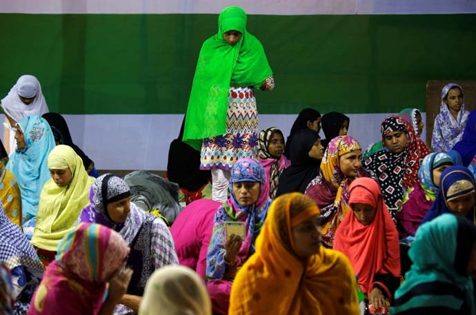 main_muslim-women-in_080119042057.jpg