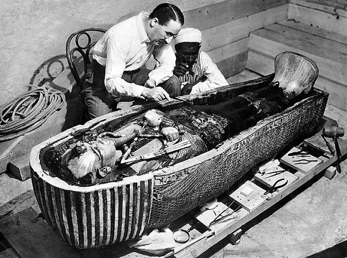 tomb-690_012420053205.jpg
