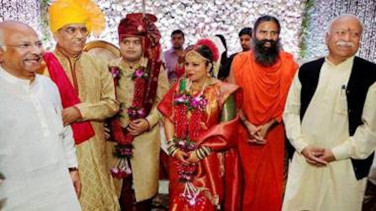 Marriage of the rich, political and powerful in a poor, cashless India