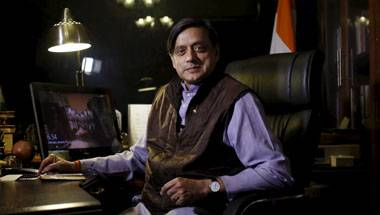 Win-win: Three reasons why Shashi Tharoor should join the BJP now