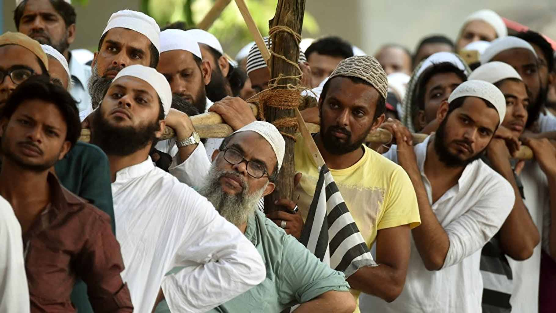 खुद का मजाक बनाता मुसलमान, उस पर एतराज जताता मुसलमान - Indian Muslims are responsible for their own social political backwardness