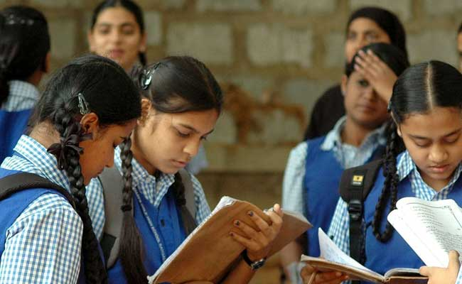 हिंदी, उत्तर प्रदेश, बोर्ड परीक्षा, योगी आदित्यनाथ
