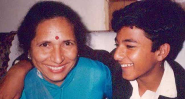 chef vikas khanna with mother