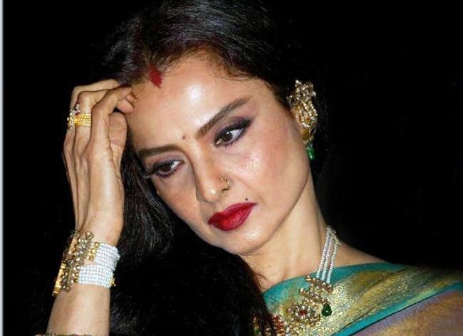 Rekha,रेखा, इंडियन आइडल 12, अमिताभ रेखा की अधूरी मोहब्बत, अमिताभ बच्चन, rekha amitabh love story, rekha amitabh bachcha