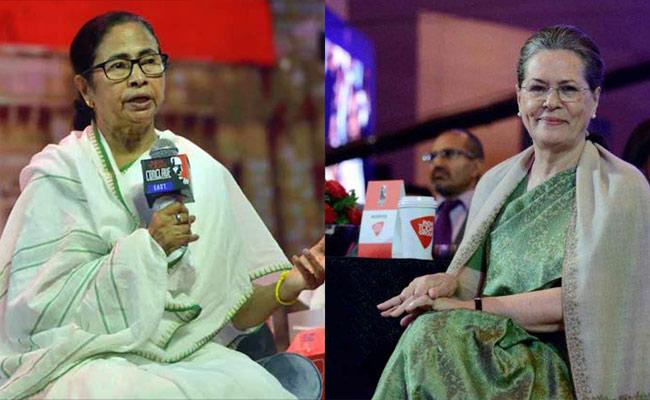 राहुल गांधी के खिलाफ सीधे तौर पर मोर्चा खोलने वाले जी-23 नेताओं में शामिल नेता से मुलाकात के कई संदर्भ निकल रहे हैं.