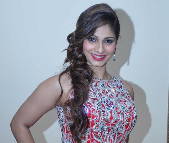 Tanishaa Mukerji: 43 साल की उम्र में कुंवारी होने पर कैसे कैसे सवाल होते  हैं! - Actress Tanishaa Mukerji unmarried at the age of 43 and she is happy  now society can