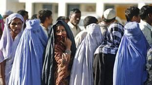 नोटबंदी का मुस्लिम समाज पर असर सांप्रदायिक या सामाजिक ?