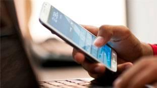 नुकसान से बचना है तो फोन खरीदने से पहले देख लें ये फीचर्स!