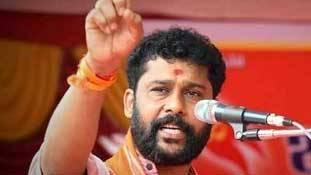 संस्कृति के नाम पर लड़कियों को मारने वाले मैंगलुरु में मांग रहे हैं भाजपा के लिए वोट!