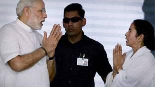 ममता का चुनावी शंखनाद दिल्ली से हटकर अपने घर तक सिमट गया है !