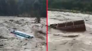 जो बारिश की बूंदों को एंन्जॉय करते हैं, ये 10 वीडियो देख उनकी रूह कांप जाएगी