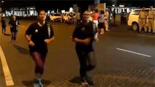 क्या एक रात सड़क पर दौड़ लेने से निडर हो जाएंगी महिलाएं?