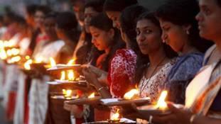 केरल में हिंदू महिलाओं के पक्ष में तो केंद्र में मुस्लिम महिलाओं के खिलाफ लेफ्ट की 'दीवार'