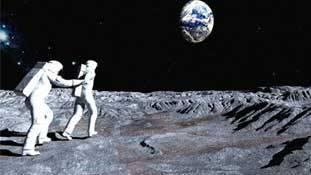कोई चंद्रमा की जमीन बेचे तो खरीदने वाले भी इसी दुनिया में हैं!