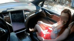 Tesla autopilot adult video: एलन मस्क का मज़ाक भारी पड़ सकता है