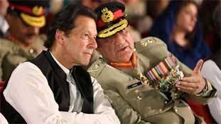 कश्मीर के बहाने बाजवा और इमरान खान दोनों ने 'एक्सटेंशन' ले लिया
