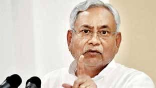 Bihar: गुटखा लोग तो छोड़ना चाहते हैं, सरकारों से ही नहीं छूटता!