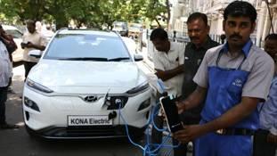 क्यों भारत में इलेक्ट्रिक कार बनाना टेढ़ी खीर साबित होगा