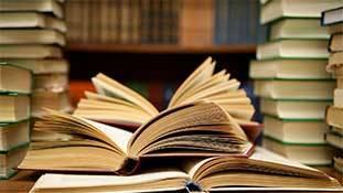 किताबों ने दुनिया को आबाद कम, बर्बाद ज्यादा किया!