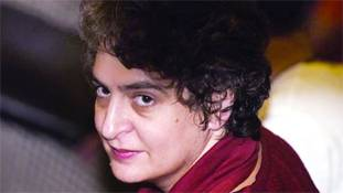Lockdown में सुपर एक्टिव प्रियंका गांधी वाड्रा कांग्रेस की नयी टीम से बाहर क्यों?