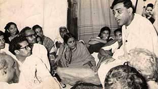 रामधारी सिंह दिनकर: वो कवि जिसकी रचनाएं राष्ट्रवाद/देशभक्ति के लिए खाद हैं!
