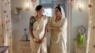 Tanishq ad की तरह बनने वाले विज्ञापनों का एक ट्रेंड रहा है, और उसकी वजह भी साफ है