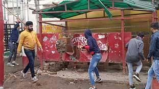 'जय श्री राम' कहकर टॉयलेट तोड़ने वालों को सजा कानून नहीं, असली रामभक्त दें
