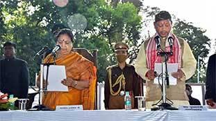 बेलगाम बोल: उत्तराखंड सीएम तीरथ सिंह रावत उसी स्कूल से पढ़े हैं जहां के त्रिपुरा सीएम हैं!