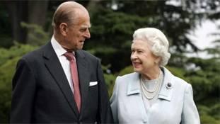 पुरुषों की वर्चस्व वाली इस दुनिया में प्रिंस फिलिप जैसे रानी के राजा दुर्लभ हैं!