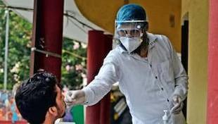 Explainer: भारत में किन वजहों से वापस लौट आया कोरोना