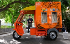 Parag Agarwal, Co-Founder Of Janajal Near Moblie Kiosk Called Water On Wheels