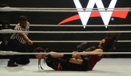 Mumbai  Wrestlers Kavita Devi and Jinny Sadhu in action during WWE India tryouts match in Mumbai on March 5  2019  Photo  IANS