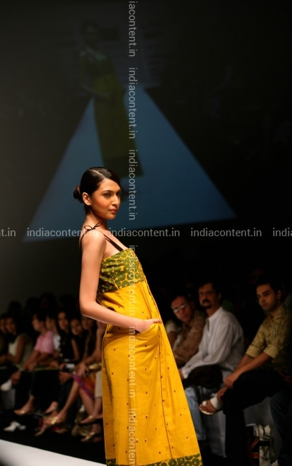 Buy Lakme Fashion Week Spring Summer 2007 Pictures, Images