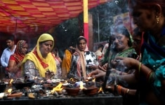 Women worship during navratri at Kalka ji temple