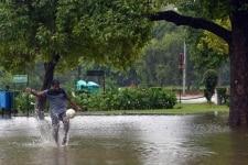 Heavy Rain fall in New Delhi